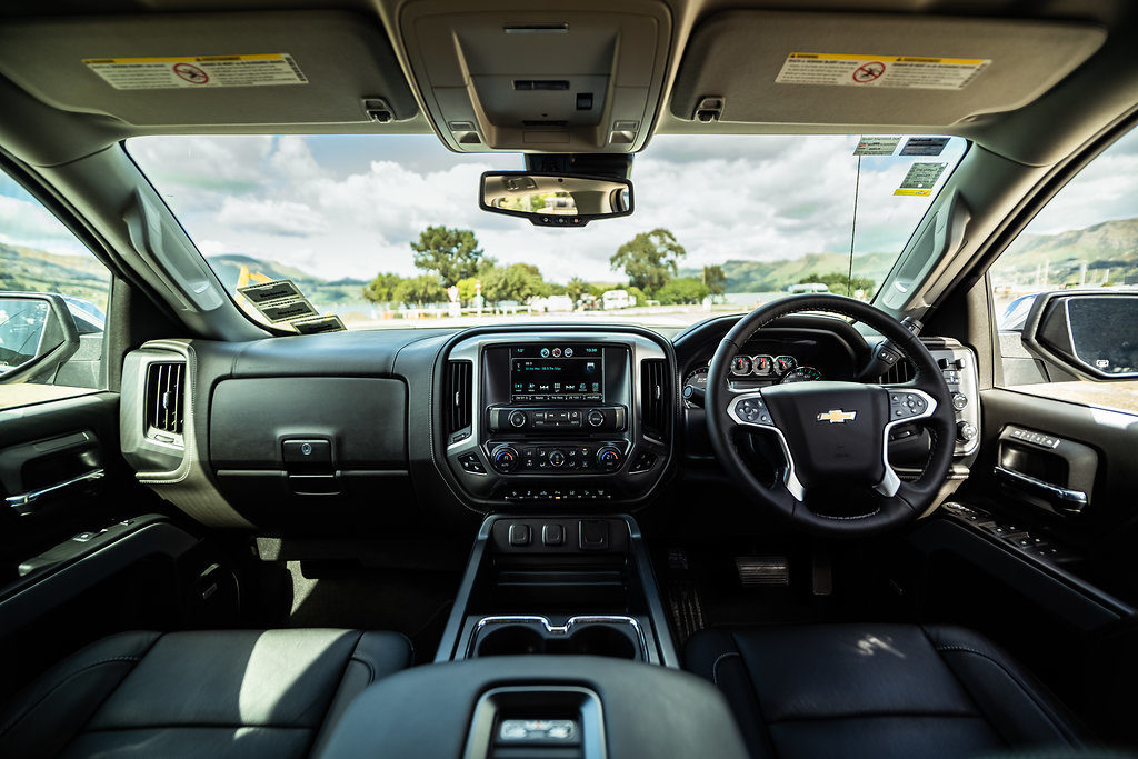 blackwells-holden-chevrolet-silverado-interior