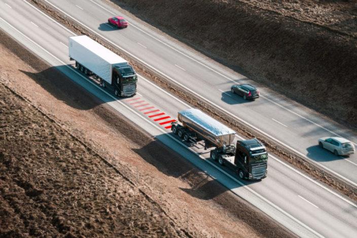 Distance_Alert_Volvo_Truck