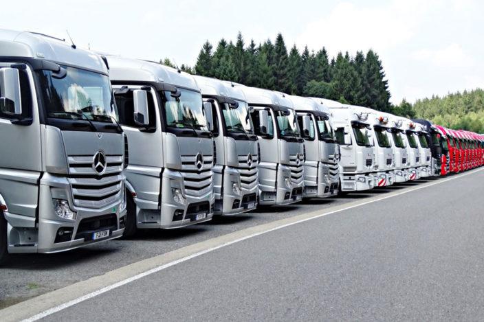mercedes-trucks-line-up