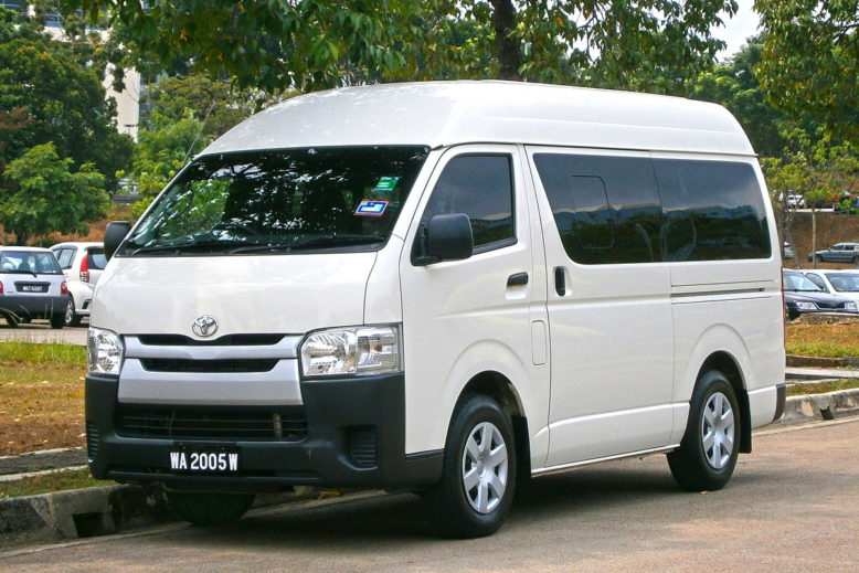 2014_Toyota_HiAce_Window_Van