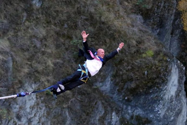 Mayor_Jim_Boult_Queenstown_Bouncing_Bungy